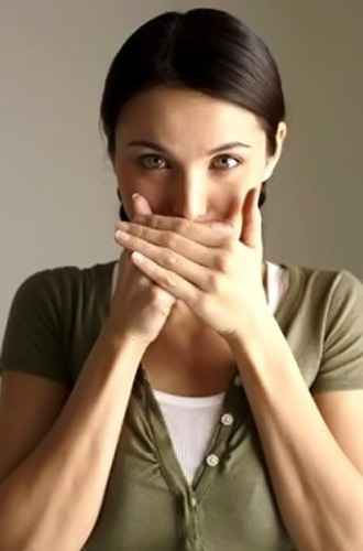 ангина неприятный запах изо рта лечение