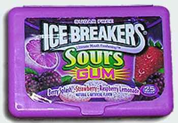 Поставщики  Ice Breakers Sours Gum Berry Blast, Strawberry & Raspberry Lemonade (Айс брекерс кисловатый микс смородина, клубника, малина)