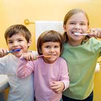 у ребёнка прорезался новый зуб