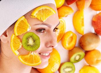 Фруктовый пилинг кожи в косметических салонах