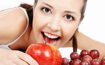 Как вернуть своим зубам былую белизну