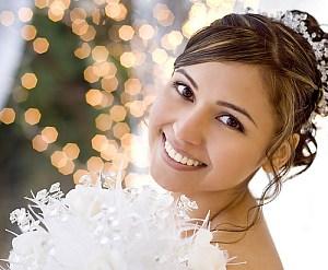 Как отбелить зубы перед свадьбой